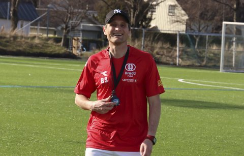 FORNØYD: Urædd-trener Bent Strand.