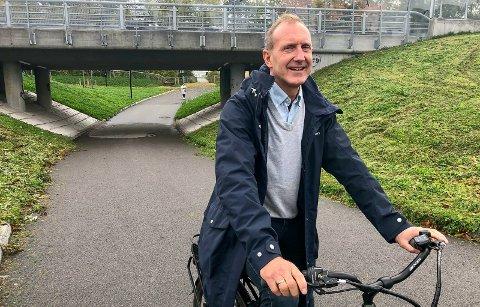 INGEN EFFEKT ENNÅ: Grønli-rektor Kjell Karlsrud sier at de ikke opplever noe effekt av nye skolekretsgrenser nå til  høsten. – 50 elever går ut til våren, men det kommer 50 nye, sier Karlsrud, som informerer om at dette er 40 for mange.