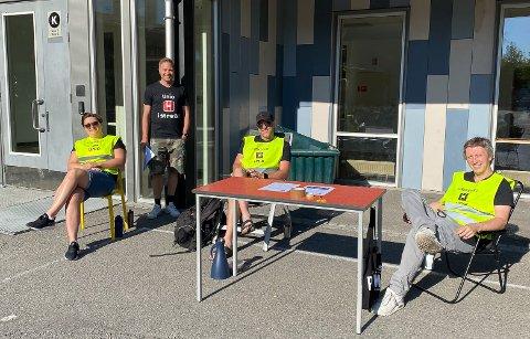 I STREIK: 40 lærere ved Vestsiden skole er tatt ut i streik. Blant dem er Julie Evensen Holm, Øyvind Hafsund, Olav Kvåle og Kristian Slettene.