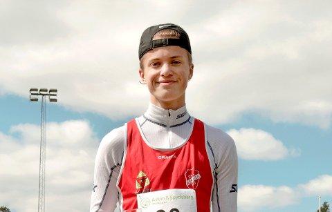 Magisk grense: Adrian Westlie løp 800 meter på 1.59,69 minutter.