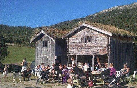 Feirer: Plurdalen Ungdomslag arrangerer Sankthansfeiring på Jordbrua.