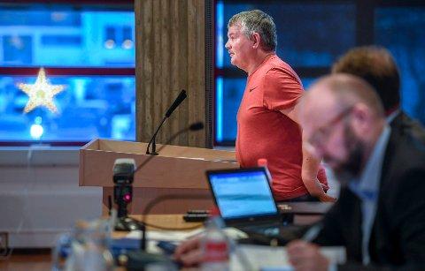 Atle Hiller sier det var et tips som gjorde at han stilte spørsmål om vaktsentralen i kommunestyremøtet 11. desember.