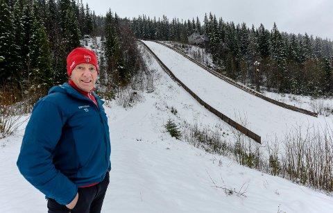 Tom Sandberg får kanskje statue av seg selv, han håper den kan øke fokuset på vintersporten i Rana