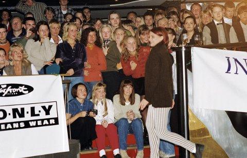 Bildet er fra et moteshow på Ramona høsten 1995. Foto: Trond Kenneth Larsen Kalås