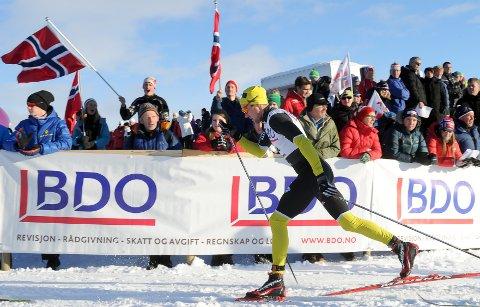 Anders Myrland tok to gull og en bronse i NM i langrenn. Medaljene kom i stafett for Skogn.