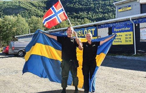Ludvig og Anna Segerstedt ved Gränslöst Köpcenter skal flagge hvis det åpnes for karantenefri handel mellom Norge og Västerbotten natt til mandag.