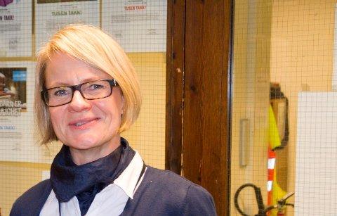 SENDTE HJEM ELEVER: Rektor Tone Sandvik ved Hov ungdomsskole.