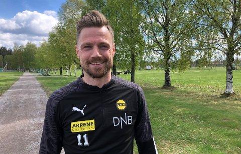 OPERERT: Arnór Smárason blir på sidelinja en stund, men islendingen tror at han vil spille for LSK denne sesongen.