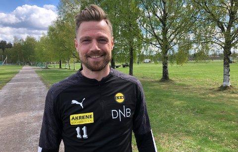 POSITIV: Arnór Smárason har slitt med knesmerter etter at han gjorde comeback i mai. Nå håper han på bedre tider.                                                   Foto: Morten Svesengen