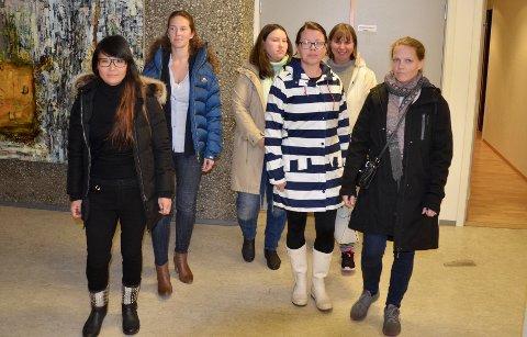 FAU-representanter møtte opp på formannskapsmøte nylig. Nå vil de ha fakkeltog for skolebygging i Bødalen.