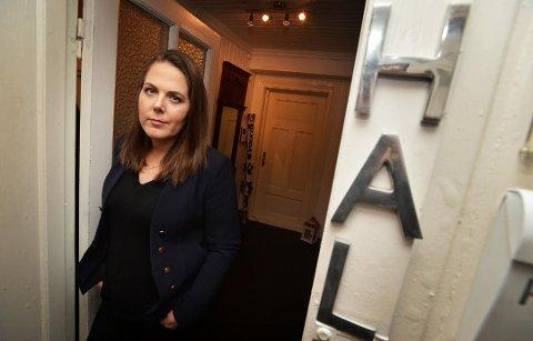 FIKK REAKSJONER: Lene Westgaard-Halle sitter på Stortinget for Vestfold Høyre. Da hun søndag la ut en Twitter-melding, med ønske om hjelp til ei fattig kvinne, utløste det en rekke negative meldinger fra mange.