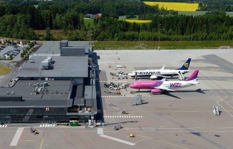 NY PASSASJERREKORD: Til tross for at det fortsatt er en nedgang i innenrikstrafikken, har det aldri reist så mange personer til og fra flyplassen i Sandefjord.