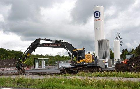BORGESKOGEN: En knapp kilometer fra E18 åpnet Air Liquide Skagerak den første stasjonen med flytende biodrivstoff i Vestfold, som den andre i landet. Den offiselle åpningen blir om noen uker.