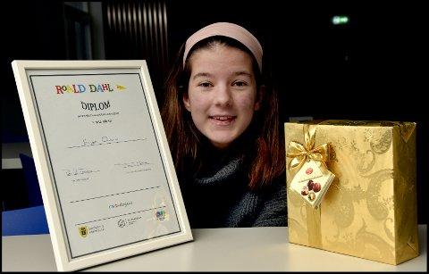 Vinner: Elise Olsen fra Sandbakken skole vant Skrivekonkurransen 2018 med historien «Verden fra et annet perspektiv».