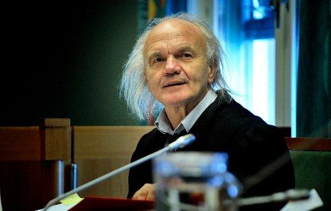 REAGERER: Advokat Harald Otterstad synes politiet må få gjøre jobben sin i fred.
