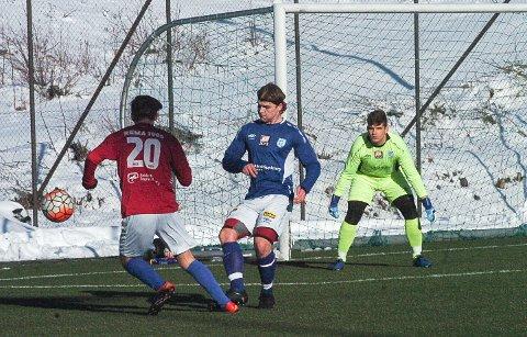 NYE SPILLERE: Andreas Lindahl (pannebånd) og Kuba Masalski (keeper) er to nye spillere i Askim.