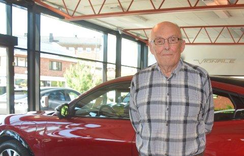 Byttet inn dieselbil i el-bil: Kjell-Erik Kleven (80) fra Oslo gleder seg til å cruise rundt i sin splitter nye Mustang Mach-E.