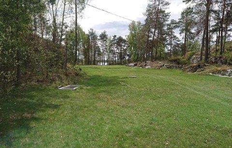 PRIVATISERENDE: - Tiltaket anses også å ha en privatiserende effekt ved at et stort område er planert ut og fremstår frisert, sier byggesaksleder Baard Gonsholt om terrenginngrepet på Risøya.