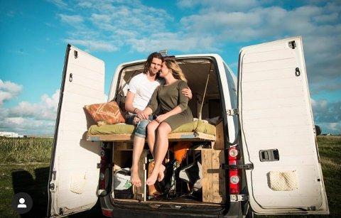 """VAN-LIVET: Paret fra Stavanger og Åros har virkelig omfavnet det som kalles """"van life"""" i USA. For to år siden var de på den lengste turen så langt. Det ga mersmak, og paret girer nå opp flere hakk."""
