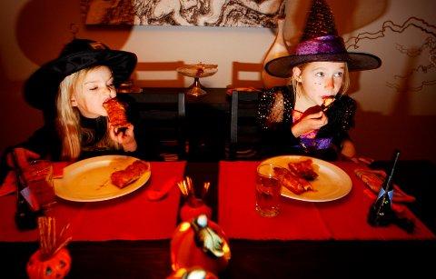 ANNERLEDES I ÅR: I år er det tryggest å feire Halloween i små kohort-grupper med avstand, i stedet for å gå fra dør til dør. Hvem vet - kanskje er det vel så hyggelig også?