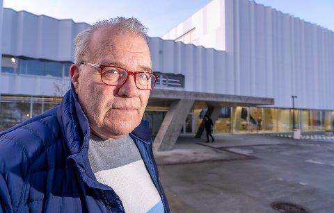 STENGT: Helge Årnes fikk ikke fulgt barnebarnet på svømmeundervisningen.