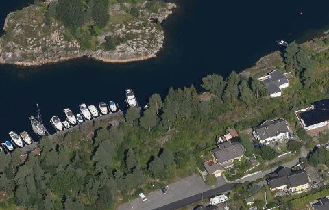 Det er i dette området i Kilsund to søstre i flere år har ligget i strid om en bryggeplass.