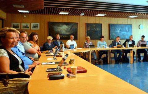 Sa ja: Flertallet i kommunestyret (22 mot tre stemmer) ønsket en ny storkommune velkommen i tirsdagens kommunestyremøte.