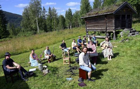 Rundt 150 fikk med seg sommermatineen som Hedalen ungdomslag satte opp på Bautahaugen samlinger sist søndag.