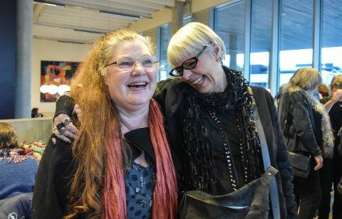 Gunn Gjølberg sammen med Lise Kollsund.