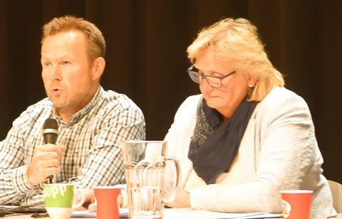 INTERPELLASJON: Høyres gruppe i kommunestyret i Alvdal, her representert ved Jan Sagplass og Tirill Langleite, i tillegg er Simen Steigen og Ingvar Brohaug med i gruppa, har levert en interpellasjon i forkant av torsdagens kommunestyremøte.