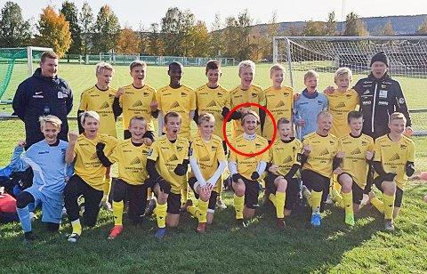 KRETSLAGSSPILLER: Balder Hansen (ringet ut) har siden i vinter vært en del av kretslaget for gutter født i 2003. I helgen var Risør-gutten med på å vinne en eliteturnering på Lillestrøm.