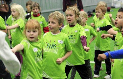 Det er stor pågang til årets utgave av Barnas idrettsdag.Foto: Bjørn Erik Olsen