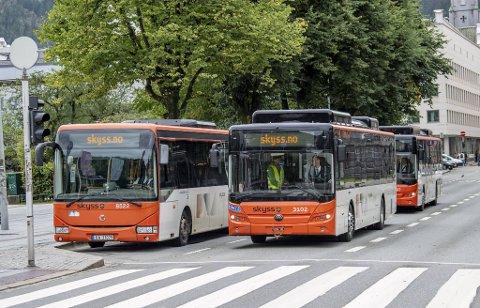 Dersom bussjåførstreiken blir utvidet til bergensområdet fra lørdagbetyr det full stans for busstrafikken.