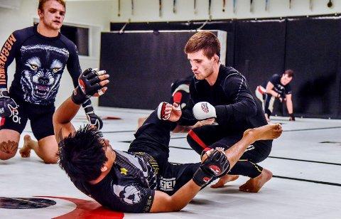 SATSER MMA: Anders Rønningen trener MMA hos Frontline Academy Drammen i 2015.
