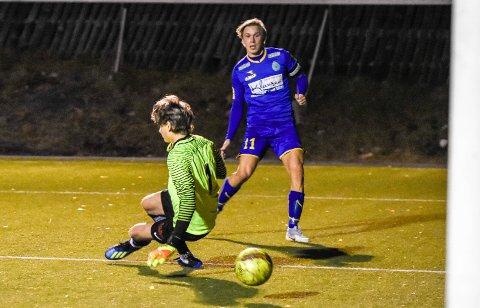 TUNNEL.  Baldur Gunnarsson avslutter en IBK-kontring til 4-0, og Stoppen-keeper Jørgen Helen kan lite gjøre.