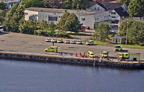 Massivt oppbud av nødetatene onsdag. Heldigvis er det kun en øvelse. Webkamera: Drammen Havn