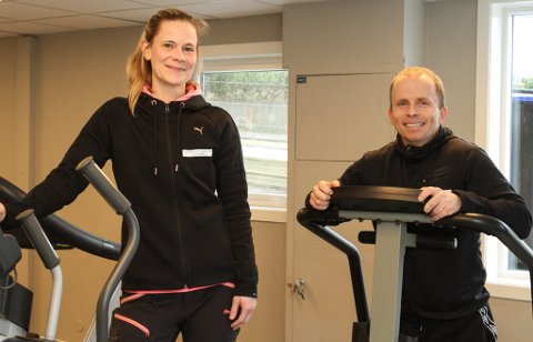 Mari Bårdvik og Kim Are Jacobsen kjøpte Engen-huset i fjor og har totalrenovert det. Snart er det klart for nyopning av byens lengstlevande treningssenter.
