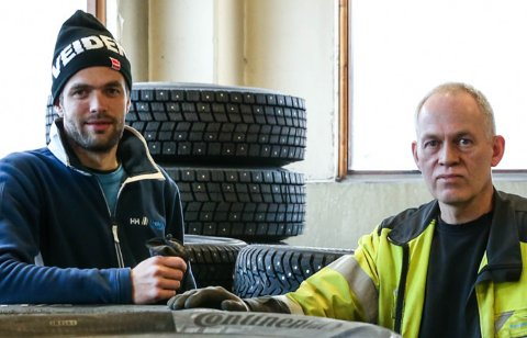 FORTVILA: F.v: Runar Kleppe og far Ole Øystein Kleppe fekk avslag på ønsket  om å bygge næringsalokale til Breim Dekkservice AS på ei NLF-tomt på Byrkjelo.