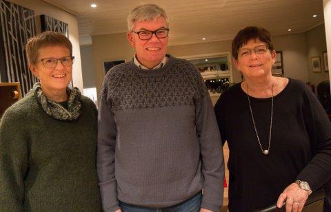 GODE VENNER: Inger Hageberg Øvrebø (t.v.) og Stein Erik Øvrebø stilte opp då mannen til Bjørg Sunde Øvrebø blei sjuk og då han døydde.