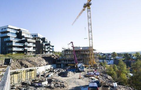 Stor aktivitet: Det bygges mye, men fortsatt er det stor etterspørsel etter boliger i Fredrikstad. I løpet av de siste tolv månedene har prisene steget med 11,6 prosent.