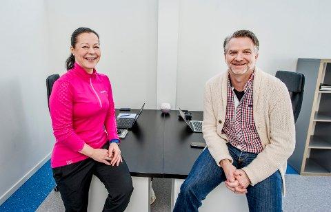TOK EN SNUOPERASJON: Sissel Kjørren (47) og Erik Sæthre Nilsen (55) var selgere i Oslo. Nå har de flyttet til Kråkerøy og startet opp hver sin praksis som henholdsvis ernæringsveileder og samtaleterapeut ved brohodet på østsiden.