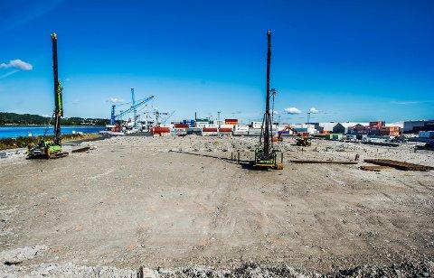 Peles til fjell: Borregaard-lageret skal stå ferdig neste sommer. (Foto: Geir A. Carlsson)