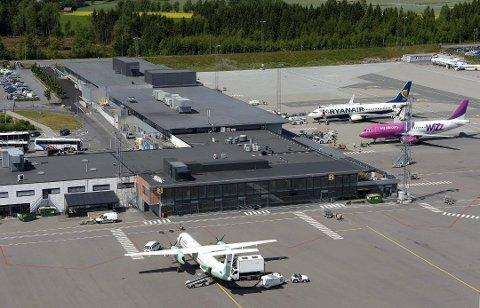 FLERE REISER: I juli reiste nesten 60.000 passasjerer til og fra Torp. Arkivfoto