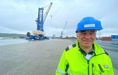 Havnedirektør Tore Lundestad blir ofte kontaktet av bedrifter som vil flytte til Fredrikstad.  Han forteller om en påfallende økning siden i fjor høst. Foto: Øivind Lågbu