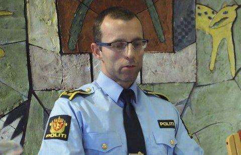 - En person er pågrepet, siktet for grovt bedrageri, opplyser politiadvokat Torgeir Kvitvik. Flere personer skal ha mottatt store telefonregninger for utenlandstelefoner de aldri har tatt.