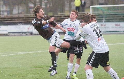 SLUTT: Her header Arnar Førsund inn 2-1 til Ørn i en treningskamp mot Eik ei uke før seriestart i 2016.