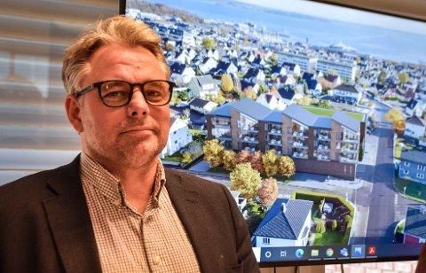 HÅPER PÅ ET JA: Mathias Schulze, daglig leder i KMS Arkitekter, blir overrasket om politikerne avviser planene om større Kiwi-butikk og nye leiligheter i Grønligata.