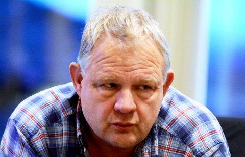 Kristian Frisvold meiner Lom kunne hatt større nytte av å bruke dei tre millionae i eiga bygd.
