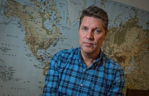 ØNSKER ØKONOMISK STØTTE: John Magne Trulsen hos Hønefoss Reisebyrå - Bennett Ferie  håper næringsministeren ser verdien i å støtte reisebyråene.