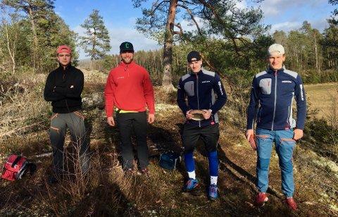 FRISBEEGOLFERE: Comets Kristian Høvik, Alexander Høvik, Håkon Vaglen og Sindre Hov Johnsen tyr til alternative treningsformer når ishockeysesongen ble avlyst.